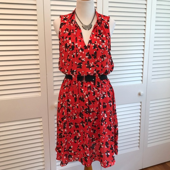 033b3572f Banana Republic Dresses & Skirts - Banana Republic Red Floral Print Tie  Neck Dress